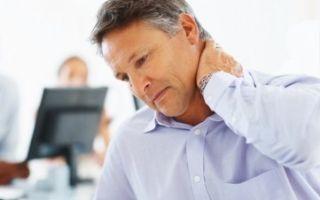 Почему при поворотах и наклонах хрустит и щелкает шея: что означает этот симптом, как устранить проблему?