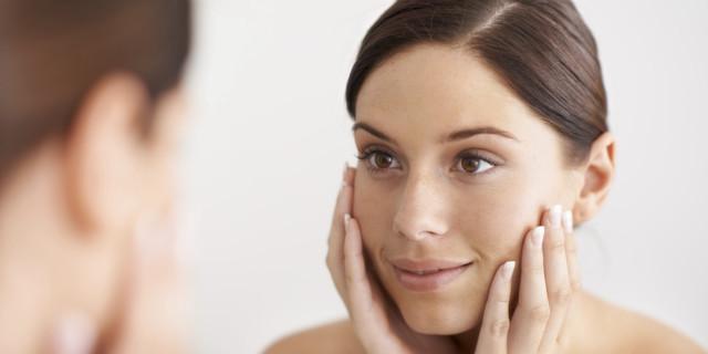Морщины, складки на щеках при улыбке – причины и как убрать