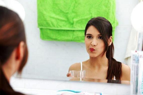 Черный и белый волосатый язык – симптомы, причины, лечение