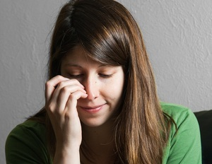 Чешется нос – причины, что означает и как избавиться