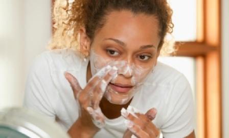 Как быстро избавиться от угрей на носу
