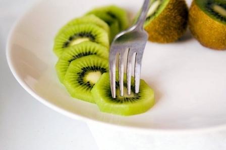 Киви при диабете сахарном 1 и 2 типа: можно ли, польза и вред