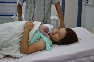 Варикоз при беременности в паху: причины, симптомы, лечение (медикаменты, гимнастика), осложнения, профилактика (компрессионное белье, диета), роды