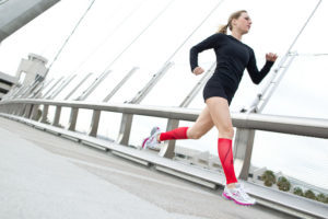Варикоз на ногах у мужчин: как лечить, симптомы, чем опасен, профилактика, последствия