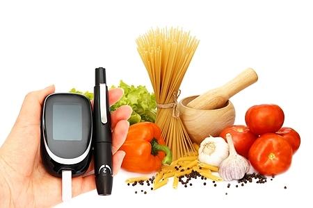 Повышенный инсулин при нормальном сахаре: диета, причины, лечение, что означает у женщин и мужчин
