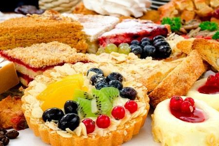 Пирог для диабетиков 2 и 1 типа: рецепты с фото - творожный, яблочный, капустный, творожно-овсяный, на кефире, из тыквы, соленый, насыпной, морковный